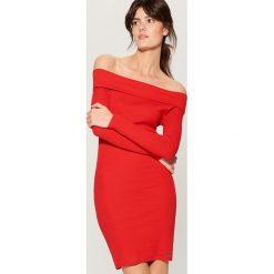 Sukienka z odkrytymi ramionami - Czerwony. Czerwone sukienki damskie Mohito. Za 89.99 zł.