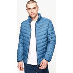 Pikowana kurtka z kontrastową podszewką - Niebieski. Niebieskie kurtki męskie Cropp. Za 129.99 zł.