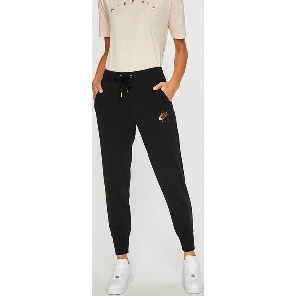 f9a247e72 Nike Sportswear - Spodnie - Legginsy damskie Nike Sportswear. W wyprzedaży  za 229.90 zł. - Legginsy damskie - Spodnie i legginsy damskie - Odzież  damska ...