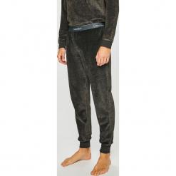 Calvin Klein Underwear - Piżama. Szare piżamy męskie Calvin Klein Underwear, z bawełny. Za 299.90 zł.