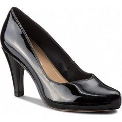 Półbuty CLARKS - Dalia Rose 261385674 Black Patent. Czarne półbuty damskie Clarks, z lakierowanej skóry. W wyprzedaży za 279.00 zł.