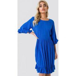 Trendyol Sukienka z guzikami na plecach - Blue. Sukienki damskie Trendyol, z dekoltem na plecach. Za 121.95 zł.