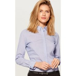 Klasyczna koszula z długimi rękawami - Niebieski. Niebieskie koszule damskie Mohito, klasyczne, z klasycznym kołnierzykiem, z długim rękawem. Za 79.99 zł.