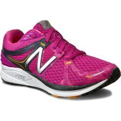 Buty NEW BALANCE - WPRSMPB Różowy. Czerwone obuwie sportowe damskie New Balance, z materiału. W wyprzedaży za 299.00 zł.