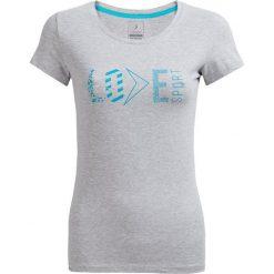 T-shirt damskie TSD604 - ciepły jasny szary - Outhorn. Szare t-shirty damskie Outhorn, z nadrukiem, z bawełny. W wyprzedaży za 24.99 zł.