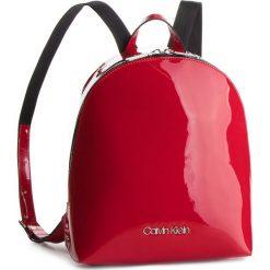 Plecak CALVIN KLEIN - Snap Sml Backpack P K60K604930 640. Czerwone plecaki damskie Calvin Klein, ze skóry ekologicznej, klasyczne. Za 549.00 zł.