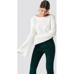 NA-KD Krótki sweter z dzianiny z długim rękawem - White. Białe swetry damskie NA-KD, z dzianiny. Za 121.95 zł.