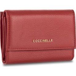 Duży Portfel Damski COCCINELLE - BW5 Metallic Soft E2 BW5 11 66 01 Coquelicot 209. Czerwone portfele damskie Coccinelle, ze skóry. W wyprzedaży za 379.00 zł.