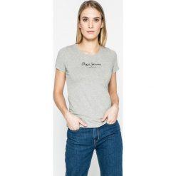 Pepe Jeans - Top New Virginia. Szare topy damskie Pepe Jeans, z nadrukiem, z bawełny, z okrągłym kołnierzem, z krótkim rękawem. W wyprzedaży za 84.90 zł.