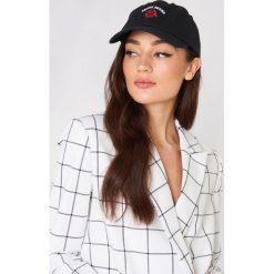 Sweet SKTBS Czapka z daszkiem Sweet Gone Rose - Black. Czarne czapki i kapelusze damskie Sweet SKTBS. W wyprzedaży za 40.38 zł.