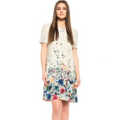Beżowa sukienka w kwiaty  BIALCON. Brązowe sukienki damskie BIALCON, w kwiaty, wizytowe, z okrągłym kołnierzem. W wyprzedaży za 180.00 zł.