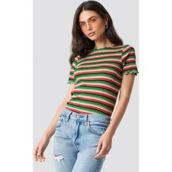 NA-KD Trend T-shirt w paski - Green,Multicolor. Zielone t-shirty damskie NA-KD Trend, w paski, z dzianiny, z okrągłym kołnierzem. Za 121.95 zł.
