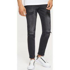 Jeansy COMFORT - Czarny. Czarne jeansy męskie Cropp. Za 129.99 zł.