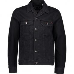 Dżinsowa kurtka w kolorze czarnym. Czarne kurtki męskie Mustang, z bawełny. W wyprzedaży za 173.95 zł.