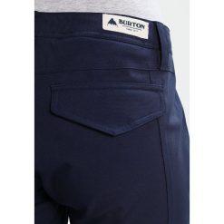 Burton VIDA Spodnie narciarskie mood indigo. Spodnie snowboardowe damskie Burton, z materiału, sportowe. W wyprzedaży za 683.10 zł.