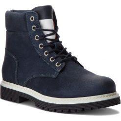 Trapery TOMMY JEANS - Iconic Tommy Jeans S EM0EM00156 Ink 006. Niebieskie śniegowce i trapery męskie Tommy Jeans, z jeansu. W wyprzedaży za 559.00 zł.