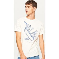 T-shirt Majsterkowicz - Kremowy. Białe t-shirty męskie Reserved. Za 39.99 zł.