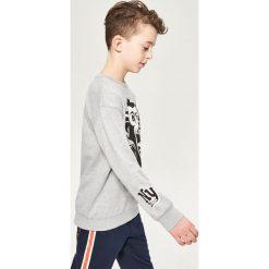 Bluza z nadrukiem - Jasny szar. Szare bluzy dla chłopców Reserved, z nadrukiem. Za 79.99 zł.
