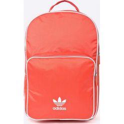 Adidas Originals - Plecak. Różowe plecaki damskie adidas Originals. W wyprzedaży za 139.90 zł.
