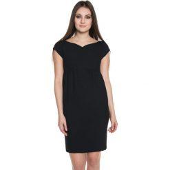 Czarna sukienka z delikatnym marszczeniem  BIALCON. Czarne sukienki damskie BIALCON, wizytowe. W wyprzedaży za 109.00 zł.