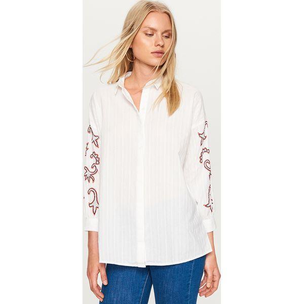 e132b9eab Koszula ze zdobionymi rękawami - Biały - Koszule damskie marki ...