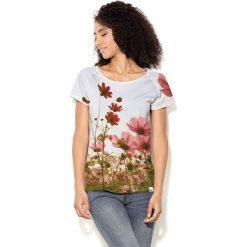 Colour Pleasure Koszulka CP-034 213 biało-zielono-czerwona r. XS/S. Bluzki damskie Colour Pleasure. Za 70.35 zł.