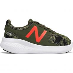 New Balance KACSTRGI. Szare buty sportowe chłopięce New Balance, z materiału. W wyprzedaży za 89.99 zł.