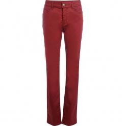 """Spodnie """"Endou"""" w kolorze czerwonym. Czerwone spodnie materiałowe damskie Scottage, w paski. W wyprzedaży za 90.95 zł."""