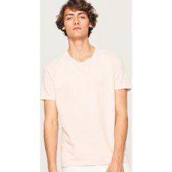 T-shirt - Różowy. T-shirty dla chłopców marki Reserved. W wyprzedaży za 29.99 zł.