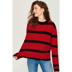 Sweter w paski - Czerwony. Czerwone swetry damskie Sinsay. Za 59.99 zł.