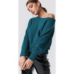 NA-KD Dzianinowy sweter z odkrytymi ramionami - Green. Zielone swetry damskie NA-KD, z dzianiny. Za 121.95 zł.