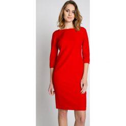 Czerwona sukienka z długim rękawem BIALCON. Czerwone sukienki damskie BIALCON, wizytowe, z długim rękawem. W wyprzedaży za 155.00 zł.