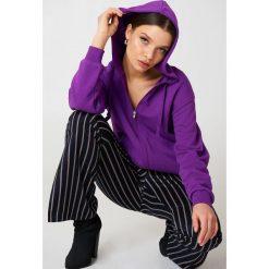 NA-KD Basic Bluza basic z kapturem - Purple. Fioletowe bluzy damskie NA-KD Basic. W wyprzedaży za 50.48 zł.