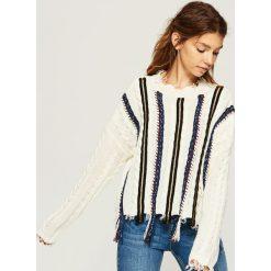 Sweter z kolorową aplikacją - Kremowy. Białe swetry damskie Sinsay. Za 99.99 zł.