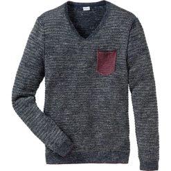 Sweter z dekoltem w serek Regular Fit bonprix niebieski melanż. Swetry przez głowę męskie marki Giacomo Conti. Za 69.99 zł.