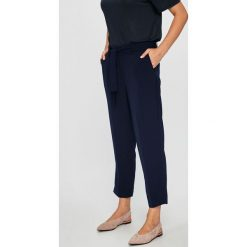 Broadway - Spodnie. Szare spodnie materiałowe damskie Broadway. W wyprzedaży za 179.90 zł.