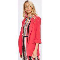 Answear - Żakiet Stripes Vibes. Różowe żakiety damskie ANSWEAR, z elastanu, casualowe. W wyprzedaży za 89.90 zł.