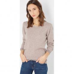Sweter w kolorze szarobrązowym. Brązowe swetry damskie Assuili, z kaszmiru, z okrągłym kołnierzem. W wyprzedaży za 113.95 zł.
