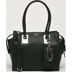 Guess Jeans - Torebka. Czarne torebki do ręki damskie Guess Jeans, z aplikacjami, z bawełny. Za 699.90 zł.