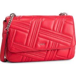 Torebka DKNY - Allen Lg Flap Lamb R833B637 Rouge RGE. Czerwone torebki do ręki damskie DKNY, ze skóry. Za 1,069.00 zł.