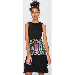 18a85e175c Wyprzedaż - odzież damska marki Desigual - Kolekcja wiosna 2019 ...