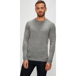 Selected - Sweter. Szare swetry przez głowę męskie Selected, z dzianiny, z okrągłym kołnierzem. W wyprzedaży za 199.90 zł.