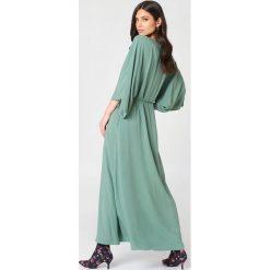 NA-KD Boho Sukienka-płaszcz - Green. Zielone sukienki damskie NA-KD Boho, z wiskozy, boho. Za 161.95 zł.