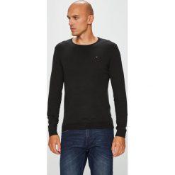 Tommy Jeans - Sweter. Swetry przez głowę męskie marki Tommy Jeans. Za 299.90 zł.