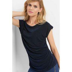 Koszulka z metaliczną nitką. Niebieskie bluzki damskie Orsay, z dzianiny, z krótkim rękawem. Za 49.99 zł.