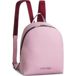 Plecak CALVIN KLEIN - Snap Sml Backpack K60K604804 Pink 639. Czerwone plecaki damskie Calvin Klein, ze skóry ekologicznej. Za 549.00 zł.