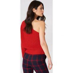 NA-KD Sweter z dzianiny na jedno ramię - Red. Czerwone swetry damskie NA-KD, z dzianiny. W wyprzedaży za 60.57 zł.