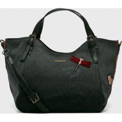 Desigual - Torebka. Czarne torby na ramię damskie Desigual. W wyprzedaży za 279.90 zł.