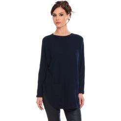"""Sweter """"Fiona"""" w kolorze granatowym. Niebieskie swetry damskie Cosy Winter, ze splotem, z okrągłym kołnierzem. W wyprzedaży za 181.95 zł."""