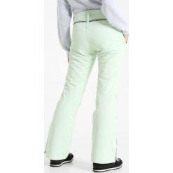 Brunotti SUNLEAF Spodnie narciarskie seaspray green. Spodnie sportowe damskie Brunotti, z materiału, sportowe. W wyprzedaży za 377.10 zł.